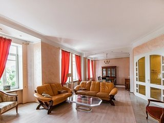 Excellent apartment in the center of Moscow