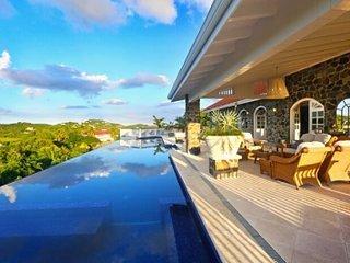 Extraordinary 5 Bedroom Villa in Cap Estate