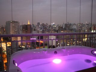 Downtown terrace with private hot tube & city view, Sao Paulo