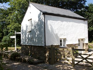 Luxury detached cottage in Cornwall near Truro