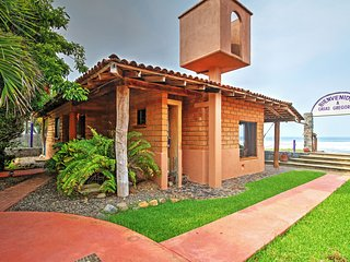 'Brick Casa' 2BR Troncones House w/Patio!