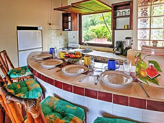 NEW! 'Red Casa' 2BR Troncones House w/Wifi!, Ixtapa
