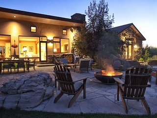 Stunning Alta Retreat. Sleeps 16! Just Minutes from Grand Targhee.