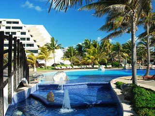 Luxurious all inclusive resort, Cancun VIP access