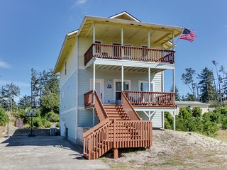 Beautiful home with easy beach access, great location, and more!
