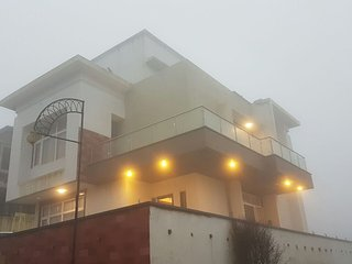Rr villa tiger hills, Khandala