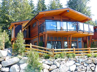 #67 Quail's Roost/ 3BR / Ocean View/ No Pet, Port Renfrew