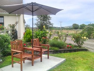 HOLIDAY COTTAGE, all ground floor, romantic cottage, multi-fuel stove, WiFi, garden, Clonmel, Ref 938315