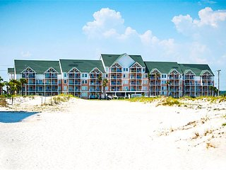 Ideal Location & Perfect Beach Getaway!, Gulf Shores