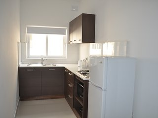 B2 New 1 bedroom apartment near seafront and buses, Bugibba