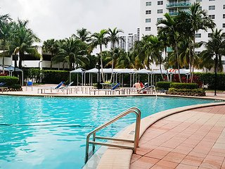 Holiday Apartments, Sunny Isles Beach