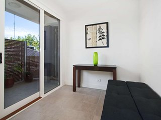 8/114a Westbury Close, St Kilda East, Melbourne