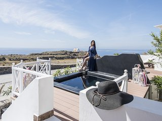 """OIA SUNSET VILLAS"" villaTURQUOISE Spa & Pool"