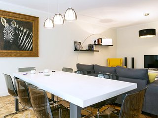 Domino Luxury 2BR Flat with Parking, Geneva