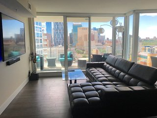 Luxury New Downtown Condo, Calgary