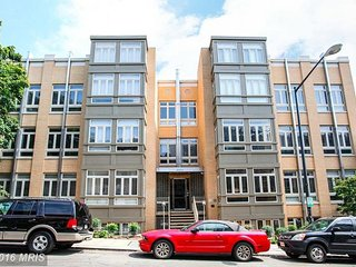 Sunny 2BR/2.5BA unit in great neighborhood, Washington DC