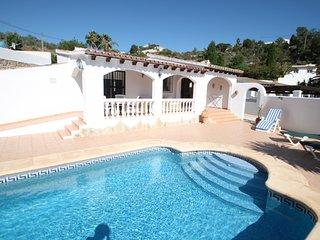 Colina - holiday home with private swimming pool in Moraira, La Llobella