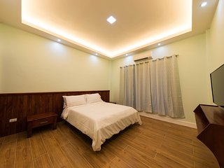 The Courtyard beach condo 1 bedroom UNIT 1, Bacong