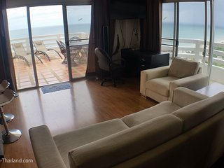 Condos for rent in Hua Hin: C6175