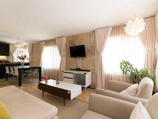Spacious Redondo Beach 3 Bedroom Home in an Incredible Location