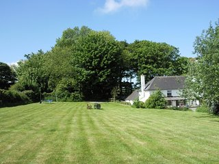 Delightful, Coastal Cottage with Huge Garden, Moylegrove