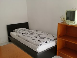 Ruhiges Zimmer nähe Wienerwald T8