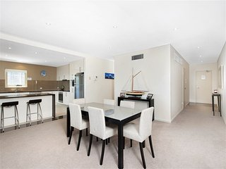 Alta Mira, Flagship Apartment,11/12 Soldiers Pt Rd-LINEN SUPPLIED, Soldiers Point