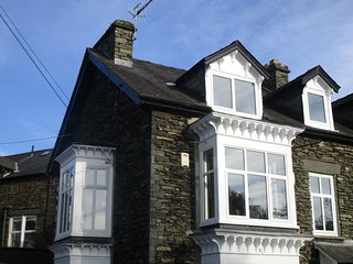 World Heritage Lake District large Lakeland Apartment Lake Windermere sleeps 8.