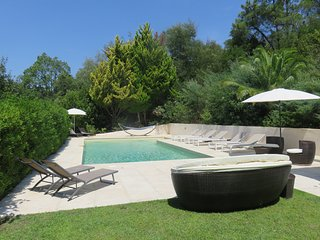 Luxury Villa, Close to St.Tropez, With Heated Pool, Cogolin