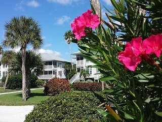 A Family Friendly 1st Floor Two Bedroom for your Gulf Shore Vacation!  B3513A