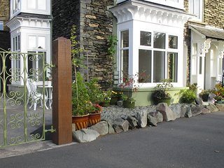 World Heritage Lake District Lakeland Garden Cottage by Lake Windermere, Cumbria