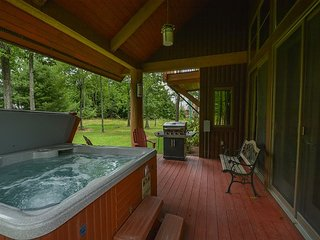 Ski In/Ski Out with Outdoor Hot Tub