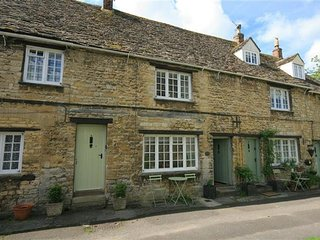 6 Georges Yard, Burford.