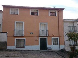 Casa en Córcoles, vistas al monasterio de Monsalud, Sacedon