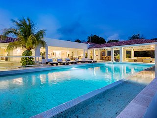 LA FAVORITA ...Absolutely Gorgeous Contemporary St Martin Rental Villa In The He