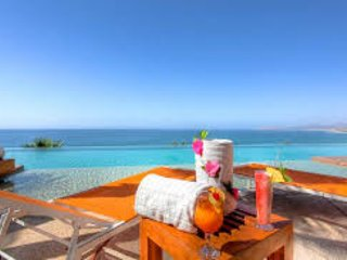 Ocean Front 2 Bedroom/3 Bathroom Condo-2000 SQ FT, San Jose del Cabo