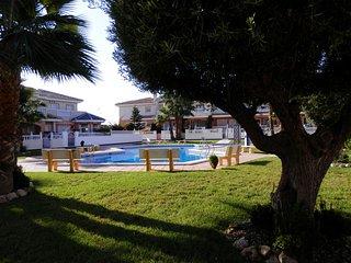 Luxury 3 double bed villa with free WiFi & AirCon, Ciudad Quesada