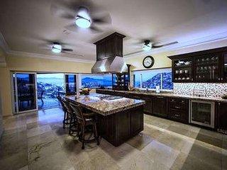 Magnificent 6 Bedroom Villa in Pedregal, Cabo San Lucas