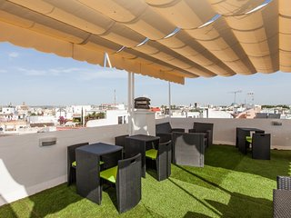 Superb shared terrace and central location, next to Alameda de Hércules