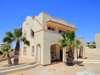 Las Conchas, Sand Dollar, Sleeps 12