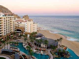 A Luxury Cabo San Lucas Resort on Ocean's Edge