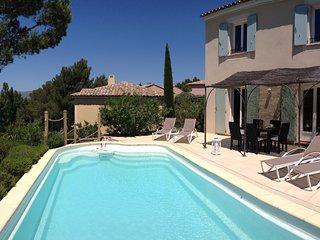Villa Pinada sur le golf de Pont Royal - Luberon