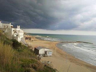 Casa sulla Spiaggia a pochi km da Roma!