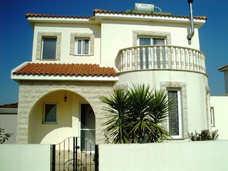 Beautiful villa in Avgorou Village