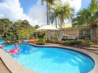 Noosa Private Resort Home! 5 bedrooms. 11 guests + Available Dec 2018 / Jan 2019