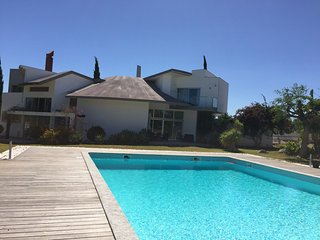 7 bedrooms Quinta: 4 bed villa + 2 cottages in large ground, own pool and garden
