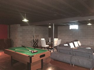 Spacious and Fun/Entertaining House, Cleveland