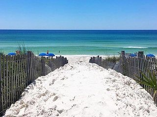Less than 100 yards to the beach!!-Tin Cup Palace, Grayton Beach