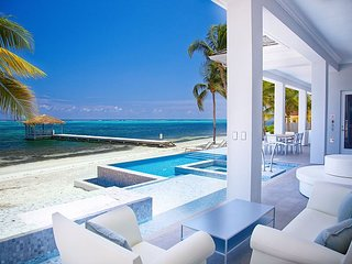 "Luxury Oceanfront Estate w/ Pool and 2 Spas - 6 Bed/6.5 Bath ""Point of View"", George Town"