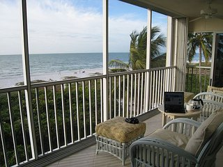 Sanibel Surfside #122:Gulf-Front Panoramic Views, Wake-up to Sunrises in Bed!